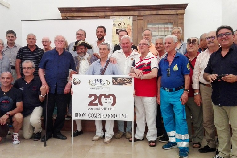200 anni di IVE, foto di gruppo. <span>Foto Giuseppe Dalbis</span>