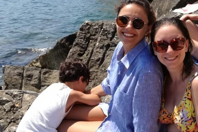 Serena Rossi con una fan. <span>Foto Antonella Cortese</span>