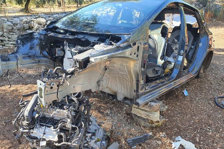 La Ford Fiesta cannibalizzata in località Peragineto