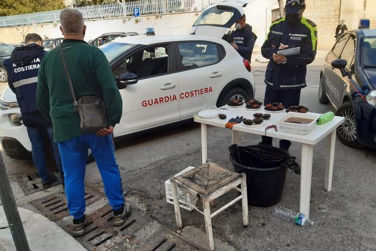 L'operazione interforze di Carabinieri, Capitaneria di Porto e Polizia Locale