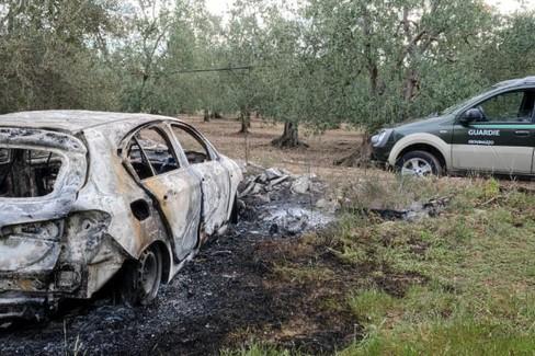La Fiat Tipo incendiata in località Sagristo