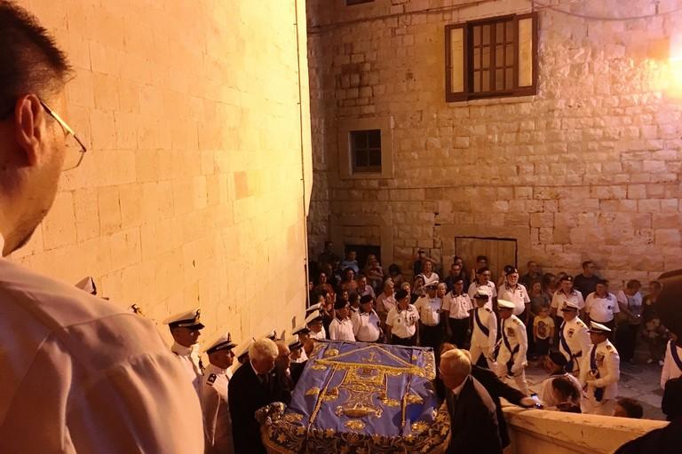 Il Manto rientra in Concattedrale. <span>Foto Marzia Morva</span>