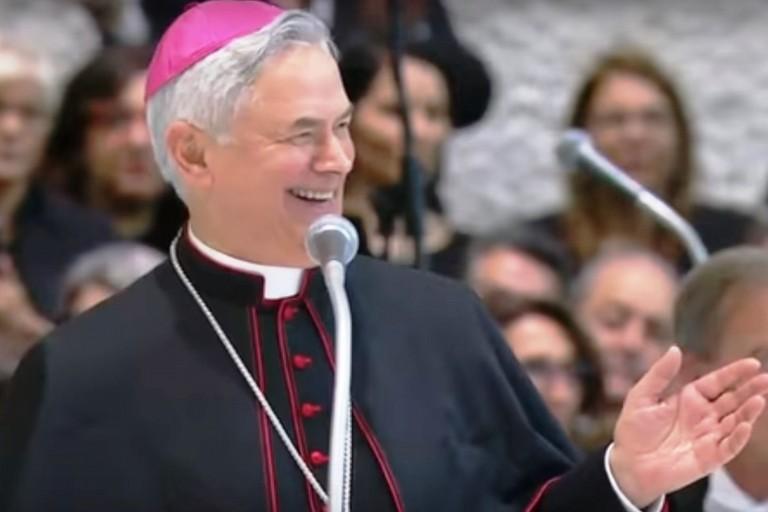 Mons. Cornacchia durante il suo discorso