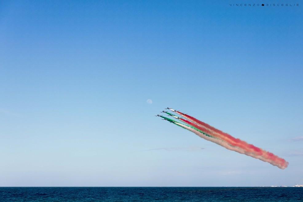 Frecce Tricolori. <span>Foto Vincenzo Bisceglie</span>