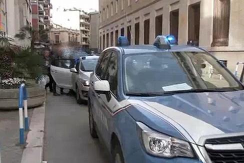 Blitz contro i clan Mercante e Strisciuglio. IL VIDEO.