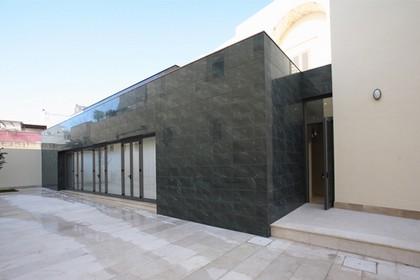 L'ingresso laterale del Museo