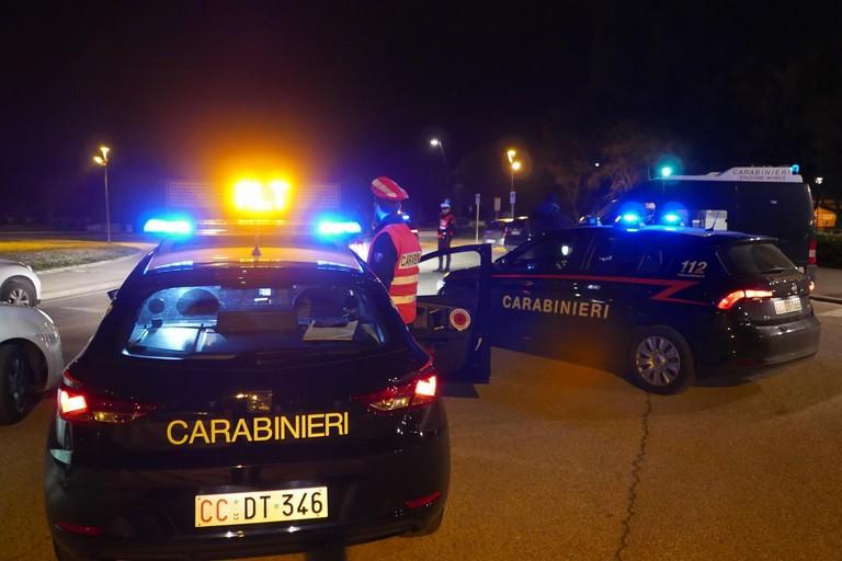 L'inseguimento parte a Giovinazzo e finisce a Molfetta. Arrestato