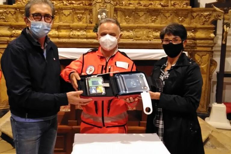 Defibrillatore donato al SerMolfetta