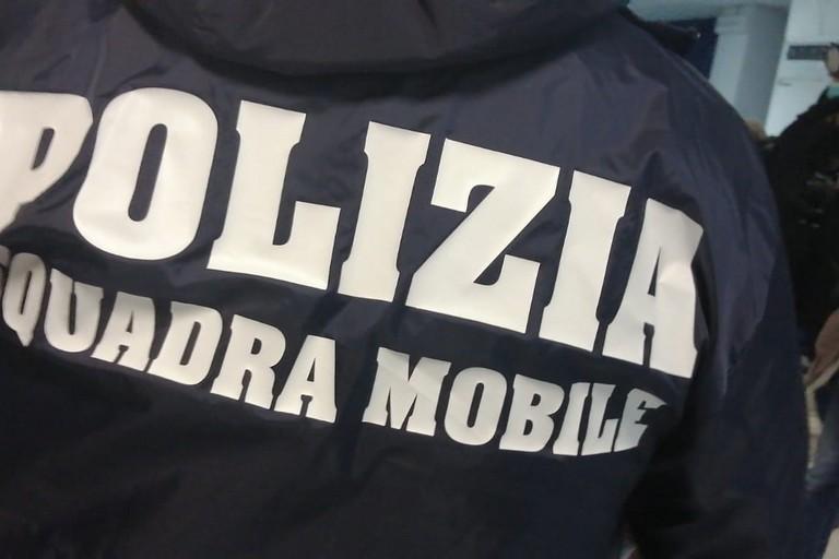 La Squadra Mobile della Polizia di Stato