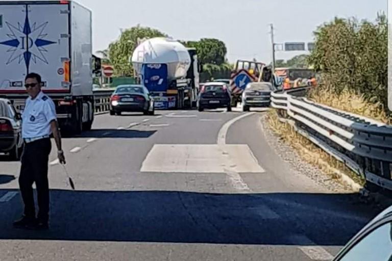 L'incidente avvenuto sulla strada statale 16 bis
