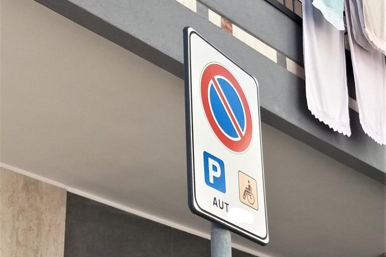 Cartello per sosta disabili autorizzata