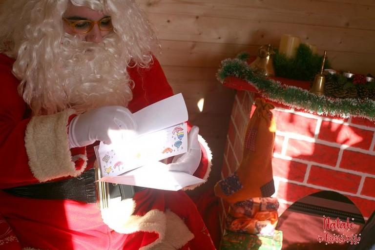Babbo Natale nella sua Casetta del Dono